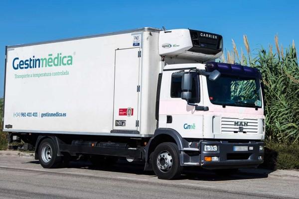 Camión pesado con refrigeración