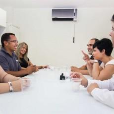 Reunión de trabajadores Gestinmédica en el comedor