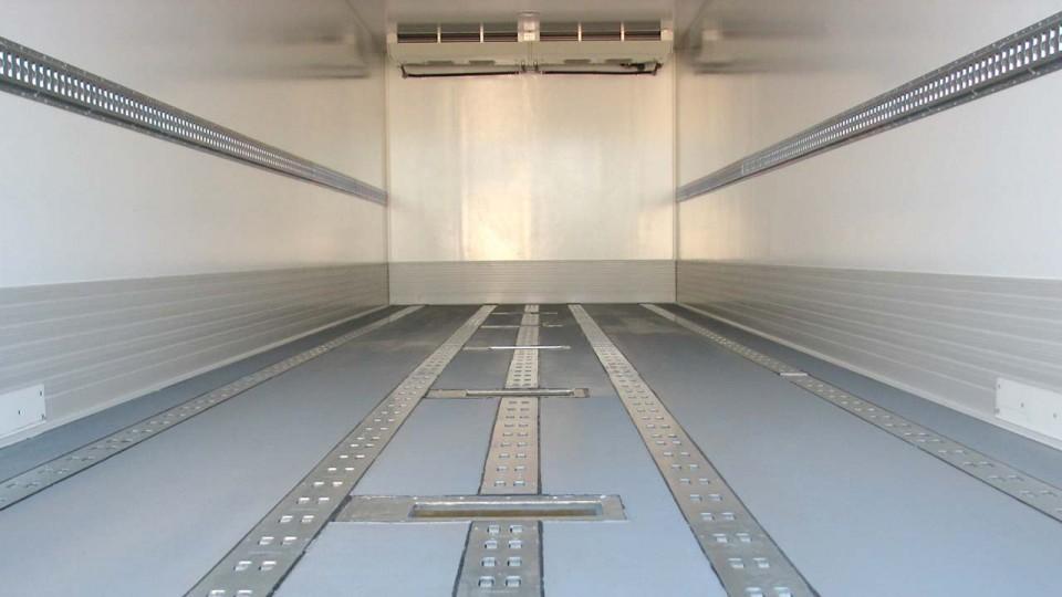 Interior camión frigo transporte pharma